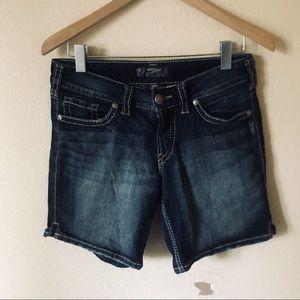 Suki style denim shorts